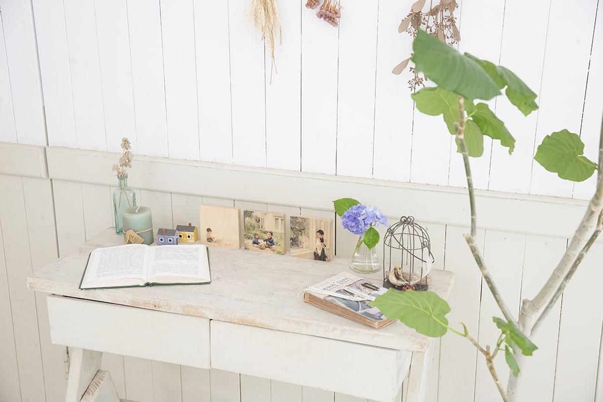子供写真スタジオStudioHomeオプション商品を飾っている写真