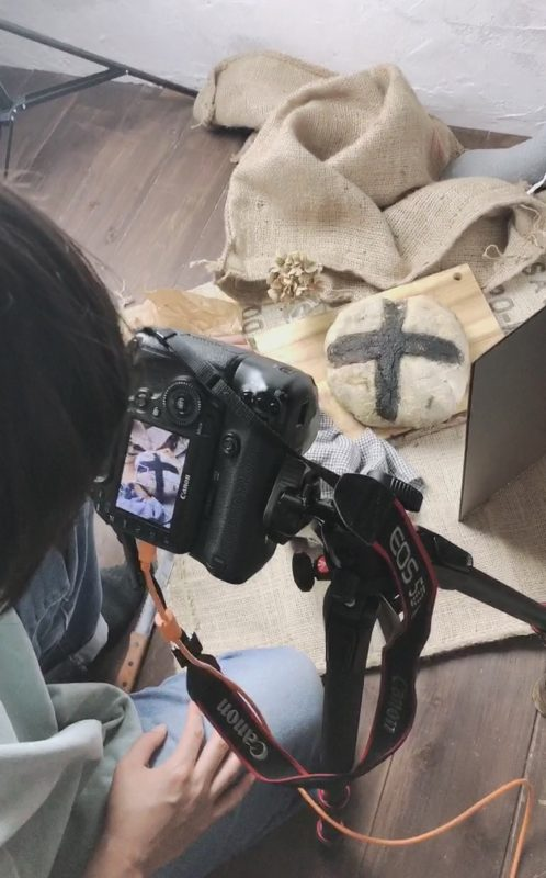 子供写真スタジオStudioHomeで商品撮影をしている写真